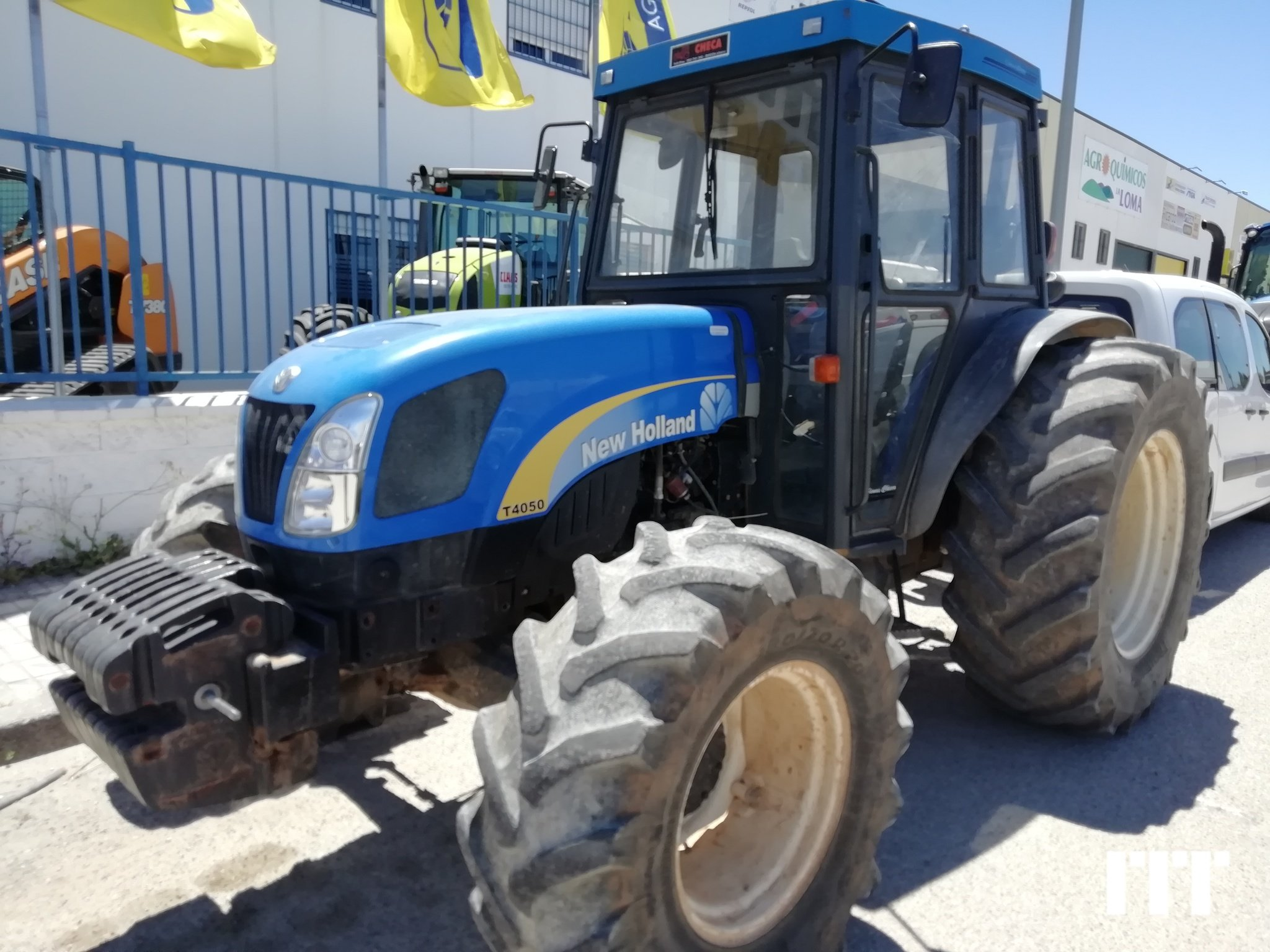 Tractor agricola New Holland T4050 - 1